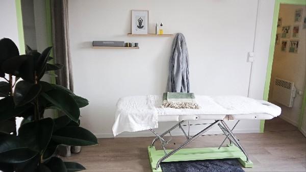 L'espace Massage-Bien-Etre et réflexologie plantaire du cabinet de naturopathie d'Annecy-le-Vieux